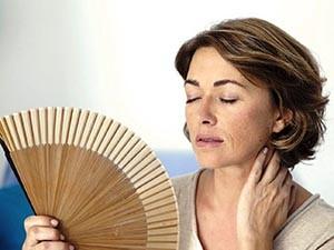 Причины появления приливов у женщин при климаксе
