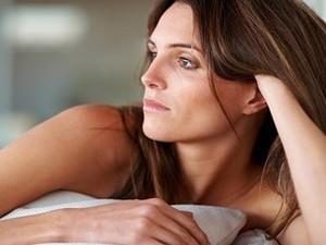 Причины сухости кожи и слизистых при климаксе у женщин