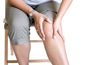 Почему болят суставы при климаксе у женщин