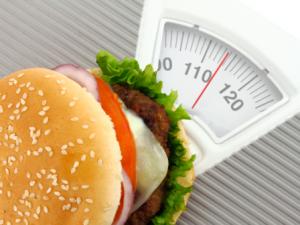 Неправильное питание при климаксе - причина лишнего веса
