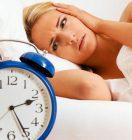 Неприятный симптом ПМС — бессонница перед месячными, что делать?
